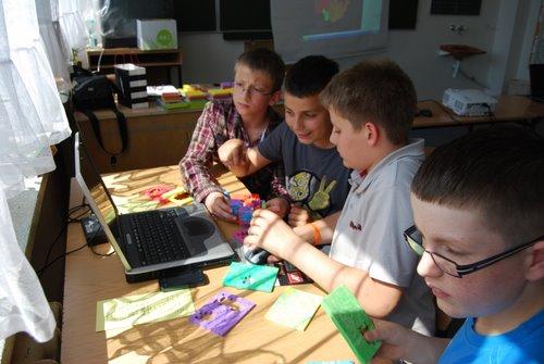 Fotografie z artykułu: Happy C(l)ubowicze podczas konferencji naukowo - szkoleniowej '20 lat integracji - sukcesy i porażki jako inspiracja do dalszych poszukiwań i działań'