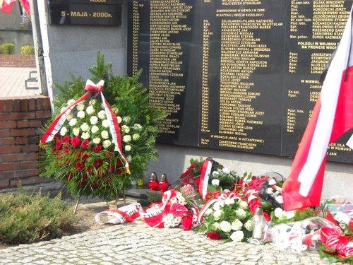 Fotografie z artykułu: 70 rocznica zbrodni katyńskiej...