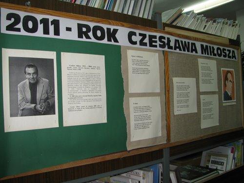 Fotografie z artykułu: Obchody roku szopenowskiego w szkolnej bibliotece