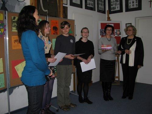 Fotografie z artykułu: Miedzyszkolny Konkurs Czytelniczy 'Otwórzmy wyobraźnię' 2011