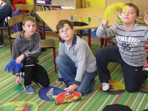 Fotografie z artykułu: Niecodzienne zajęcia w klasie integracyjnej