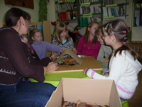 Fotografie z artykułu: Z wizytą w osiedlowej bibliotece
