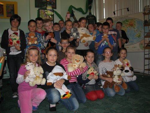 Fotografie z artykułu: Światowy Dzień Pluszowego Misia w naszej szkole