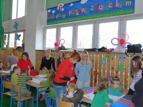 Fotografie z artykułu: 'Wiosenne spotkania z Zajączkiem'