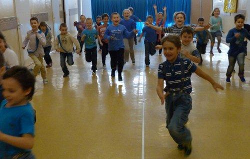 Fotografie z artykułu: 'Zaświeć się na niebiesko dla autyzmu'