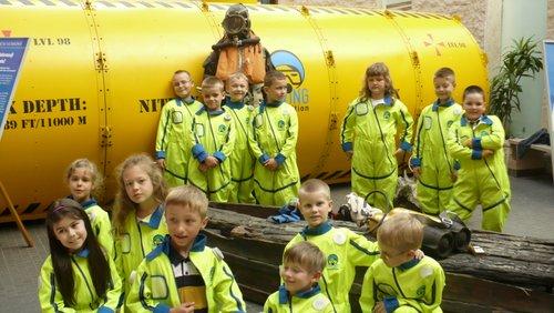 Fotografie z artykułu: Pierwszaki poznają 'Tajemnice podwodnego świata'