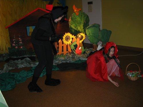Fotografie z artykułu: Przedszkolaki w świetlicowym teatrzyku