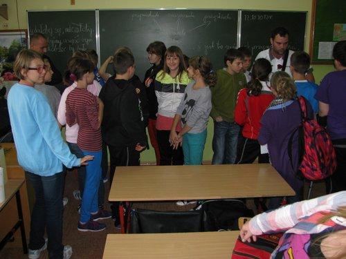Fotografie z artykułu: Godzina wychowawcza z sędziami międzynarodowymi.