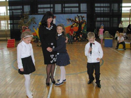 Fotografie z artykułu: 'Pamięć jest wdzięcznością serca...' Dzień Edukacji Narodowej 2012
