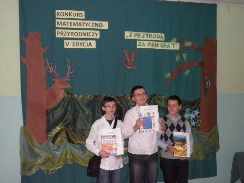 Fotografie z artykułu: Zwyciężyliśmy w V edycji konkursu matematyczno-przyrodniczego 'Z przyrodą za pan brat'
