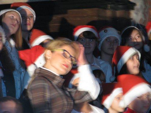 Fotografie z artykułu: Zimowy koncert chórów szkolnych.