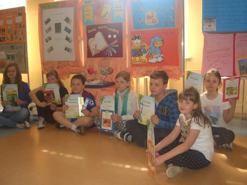 Fotografie z artykułu: Wyniki konkursów 'My favourite book' i 'Books worth reading'