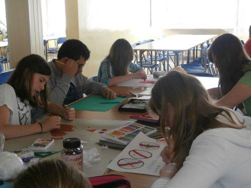 Fotografie z artykułu: XI edycja Konkursu Szkolnego dla klas 5 i 6 'Uzależnienie - co Ty na to?'.