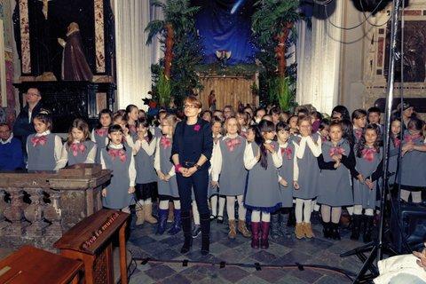 Fotografie z artykułu: PŁOCKIE KOLĘDOWANIE w Bazylice Katedralnej.