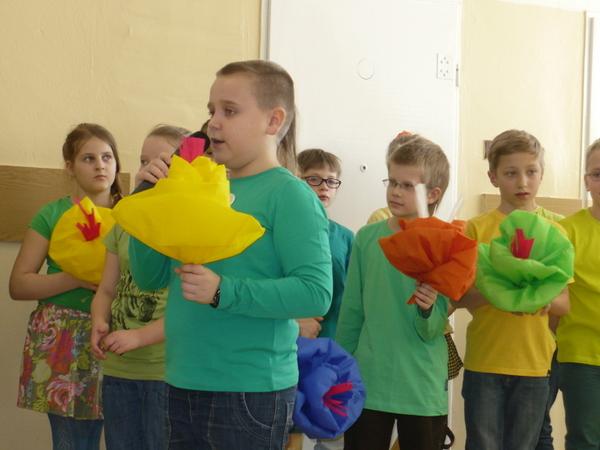Fotografie z artykułu: Wiosenny apel dla klas I - III.