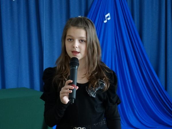 Fotografie z artykułu: XII Międzyszkolny Festiwal Piosenki Angielskiej SONG