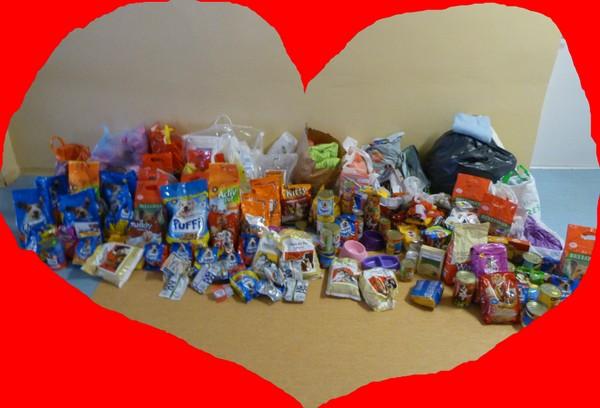 Fotografie z artykułu: 155 kilogramów dobrych serc naszych uczniów!