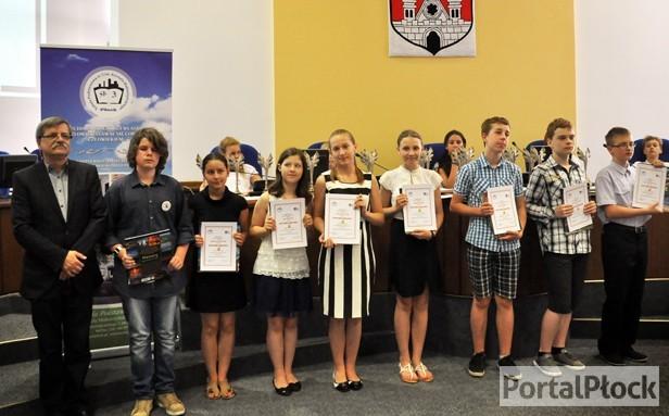 Fotografie z artykułu: Podsumowanie XX Międzyszkolnej Ligi Przedmiotowej