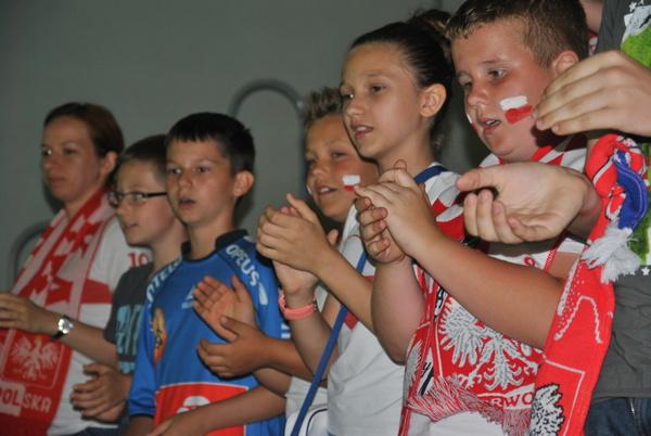 Fotografie z artykułu: Kibicujemy Polsce!
