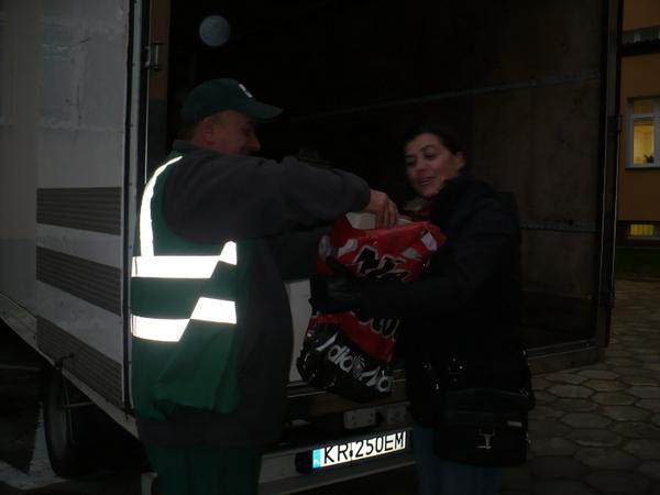 Fotografie z artykułu: Zbiórka elektrośmieci.