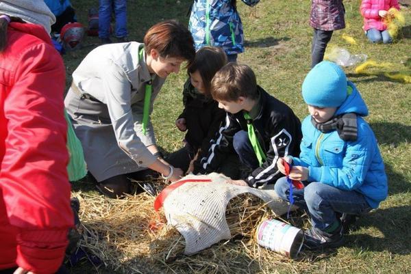 Fotografie z artykułu: Bystre Orły, Wesołe Sówki i przyjaciele odpędzają zimę.