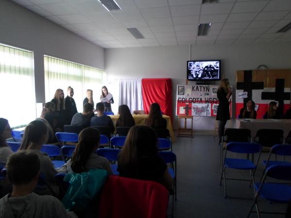 Fotografie z artykułu: Katyń - Golgota Wschodu