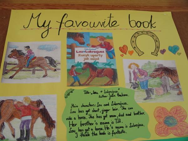 """Fotografie z artykułu: """"My favourite book"""" - wystawa prac"""