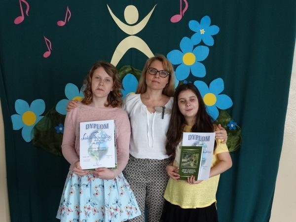 Fotografie z artykułu: II miejsce w Międzyszkolnym Konkursie Piosenki Przyrodniczej!