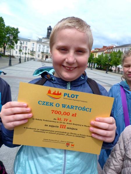 Fotografie z artykułu: Gratulacje i 700 zł dla IVa!
