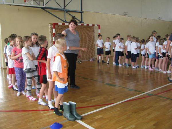 Fotografie z artykułu: Międzyszkolna Turniejada  klas I – III
