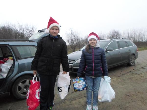Fotografie z artykułu: Świąteczna pomoc