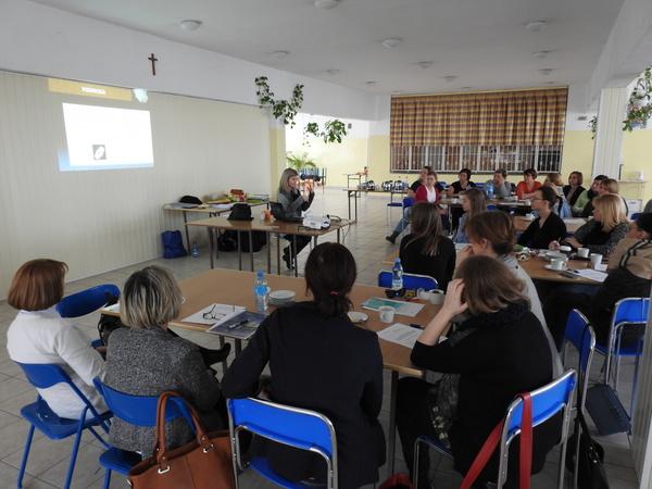 Fotografie z artykułu: 'Autyzm a seksualność'- warsztaty dr Fornalik w naszej szkole.