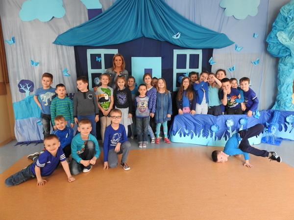 Fotografie z artykułu: Zaświeć się na niebiesko dla Autyzmu!