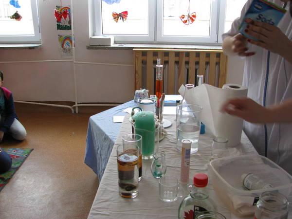 """Fotografie z artykułu: """"Wodne laboratorium"""" w świetlicy…"""