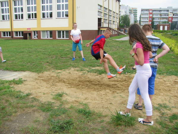 Fotografie z artykułu: Talent za talent czyli Dzień Dziecka w naszej szkole