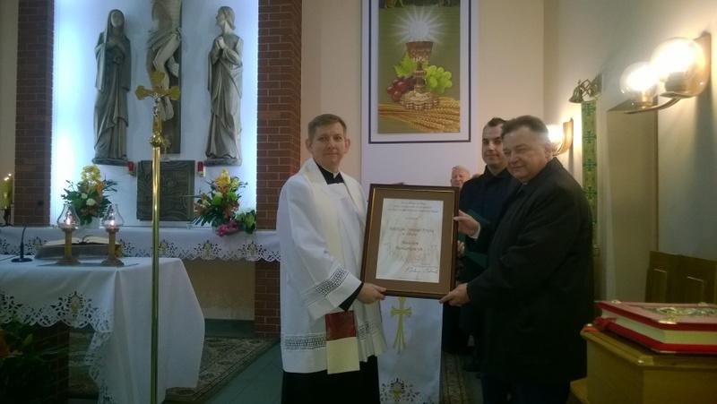 Fotografie z artykułu: 25 lat parafii Świętego Krzyża
