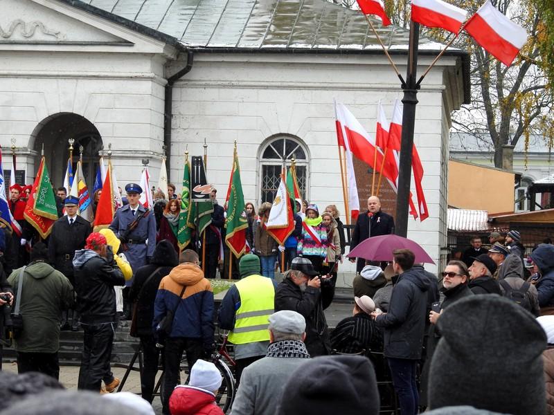 Fotografie z artykułu: Uczestniczymy w miejskich obchodach Święta Niepodległości