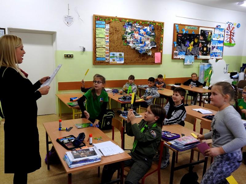 Fotografie z artykułu: Rzecznik Praw Ucznia z wizytą u zuchów