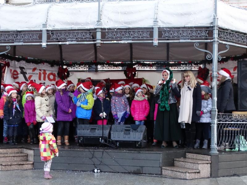 Fotografie z artykułu: Nasza szkoła na Jarmarku Bożonarodzeniowym!
