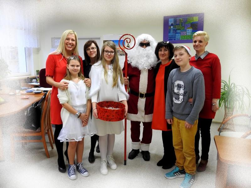 Fotografie z artykułu: Mikołaj w naszej szkole!