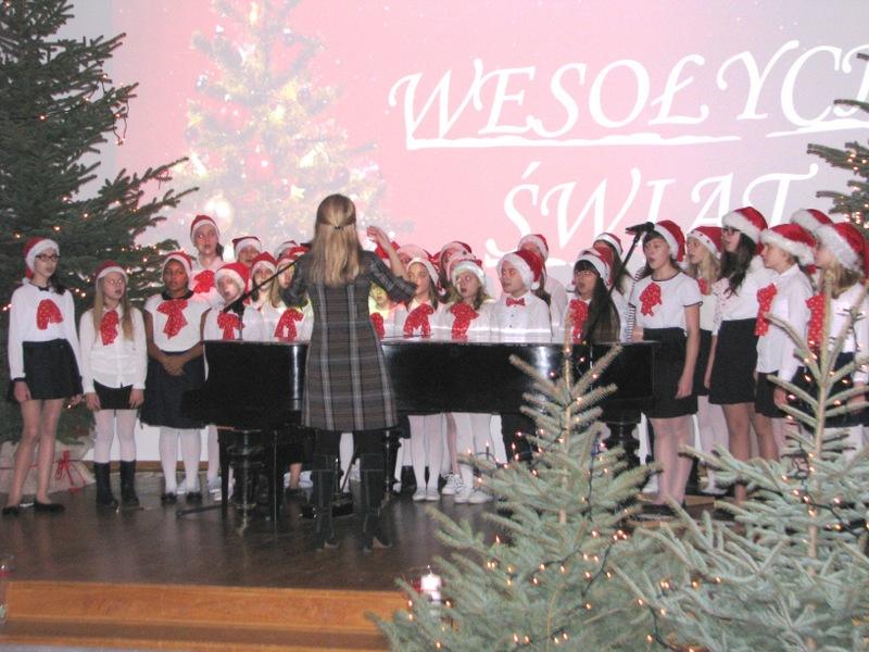 Fotografie z artykułu: Koncert chóru szkolnego w Domu Technika.