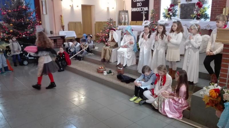 Fotografie z artykułu: 'Betlejemska dobranocka' w kościele św. Krzyża