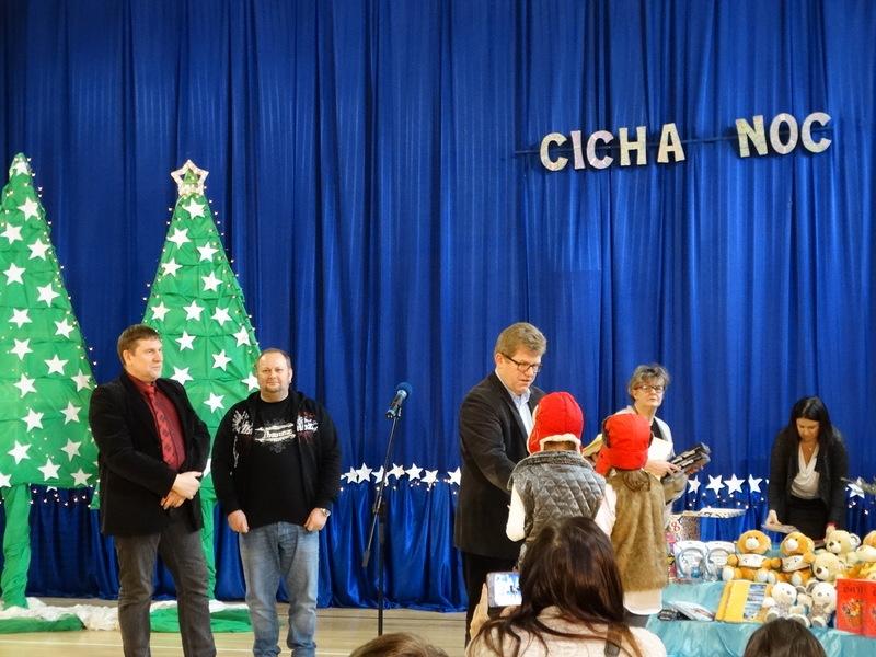 Fotografie z artykułu: Mamy laureatki w XIII Rejonowym Konkursie Duetów 'Cicha noc'