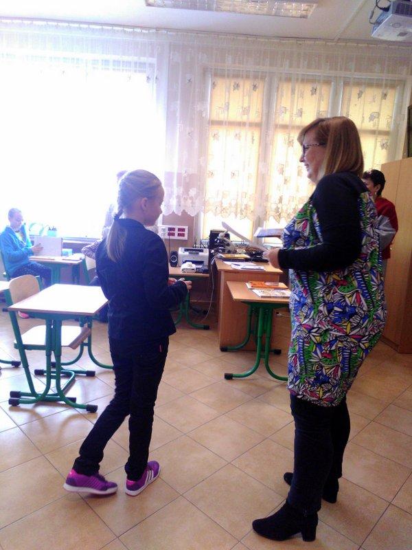 Fotografie z artykułu: II miejsce w Międzyszkolnym Konkursie Literacko - Plastycznym zdobyła uczennica klasy IIIg!