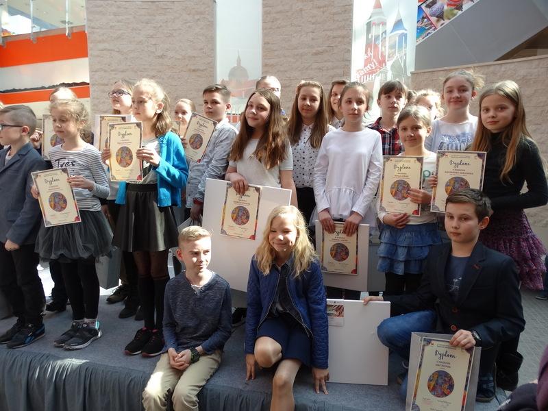 Fotografie z artykułu: Mamy laureatów w XV Ogólnopolskim Konkursie Plastycznym 'Tradycje wielkanocne'!