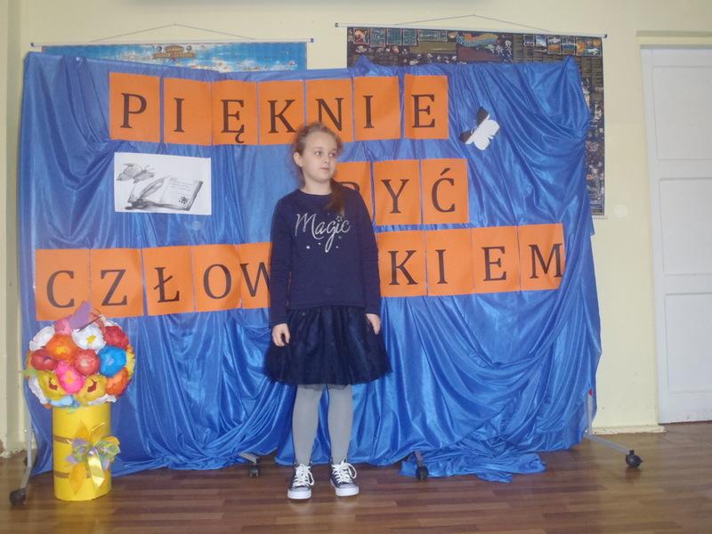 Fotografie z artykułu: Szkolne eliminacje do konkursu 'Jak pięknie być człowiekiem'.