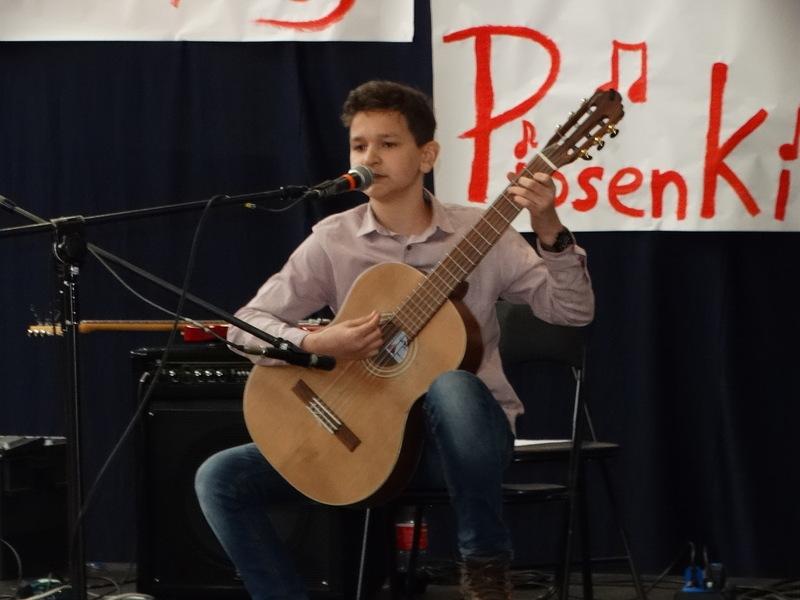 Fotografie z artykułu: I miejsce na II Powiatowym Festiwalu Polskiej Piosenki!