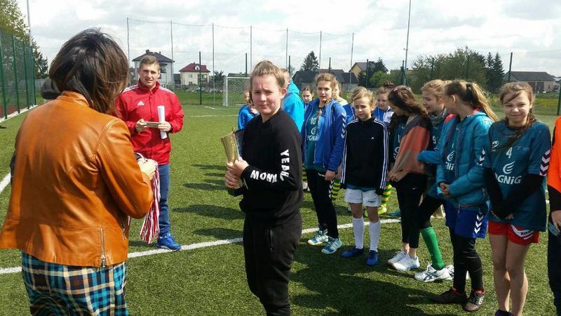 Fotografie z artykułu: Zawody powiatowe w piłce nożnej są nasze!
