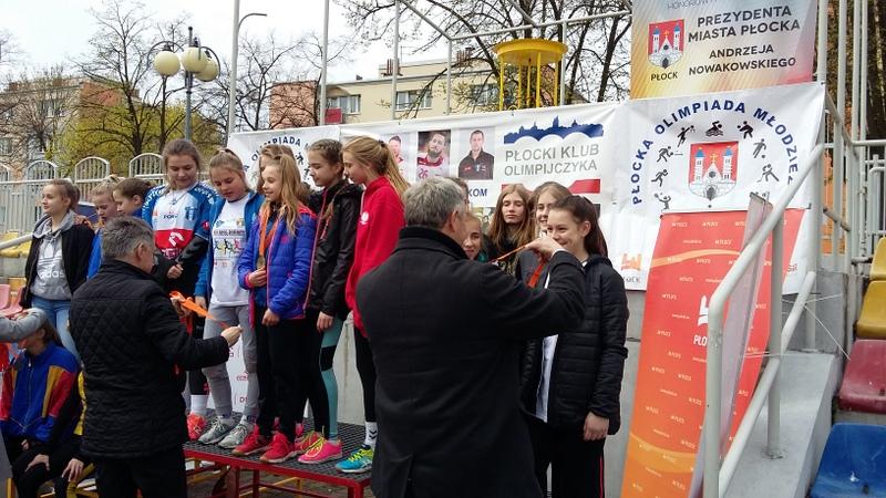 Fotografie z artykułu: Brąz w czwórboju lekkoatletycznym dziewcząt