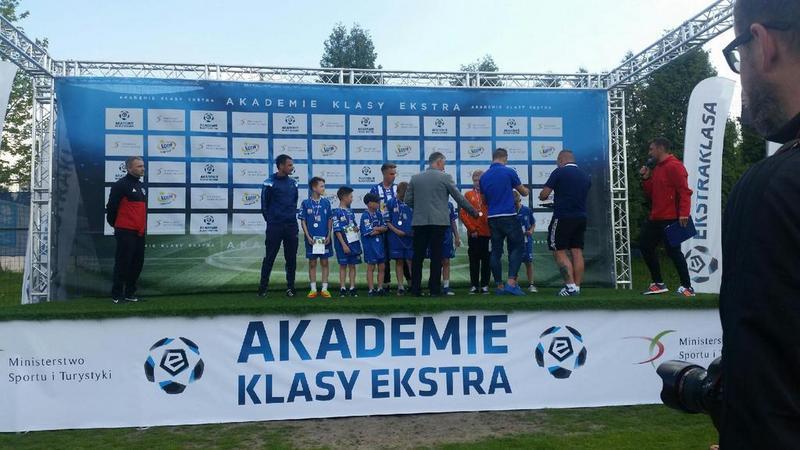 Fotografie z artykułu: II edycja wspólnego programu Fundacji Ekstraklasy oraz Ministerstwa Sportu i Turystyki – Akademie Klasy Ekstra.